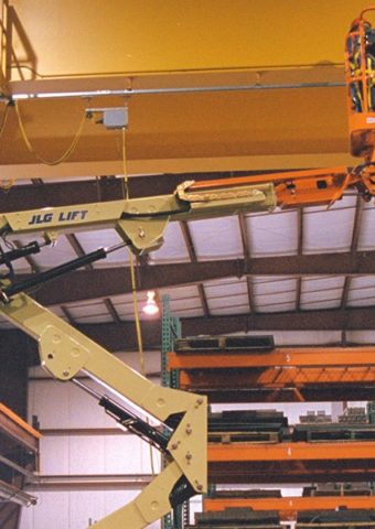 E400AJP - Série E400 e M400 - Plataformas de lança articulada elétrica e híbrida